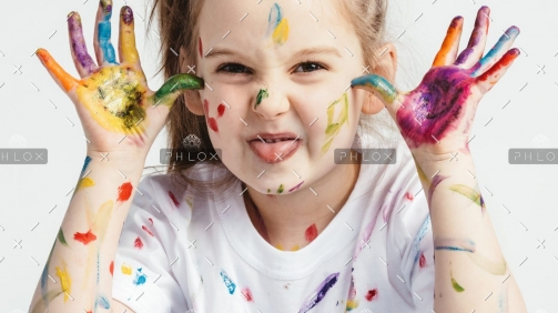 demo-attachment-1019-little-girl-covered-in-paint-making-funny-faces-P7MR25N-e1589450524799