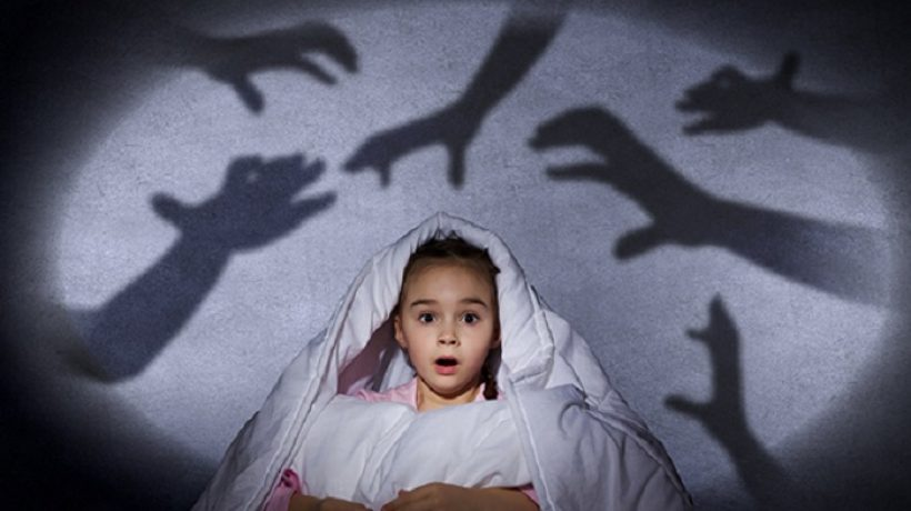 Afraid of the Dark in Kids: Symptoms and Treatment