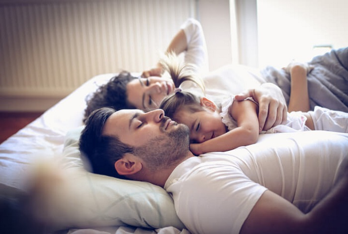 kids sleeping with parents