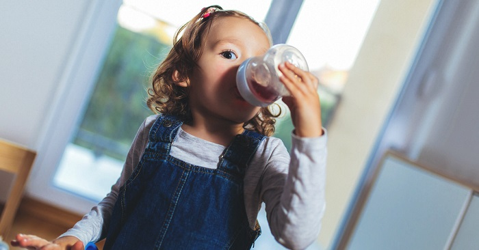 What beverages should children under the age of five?