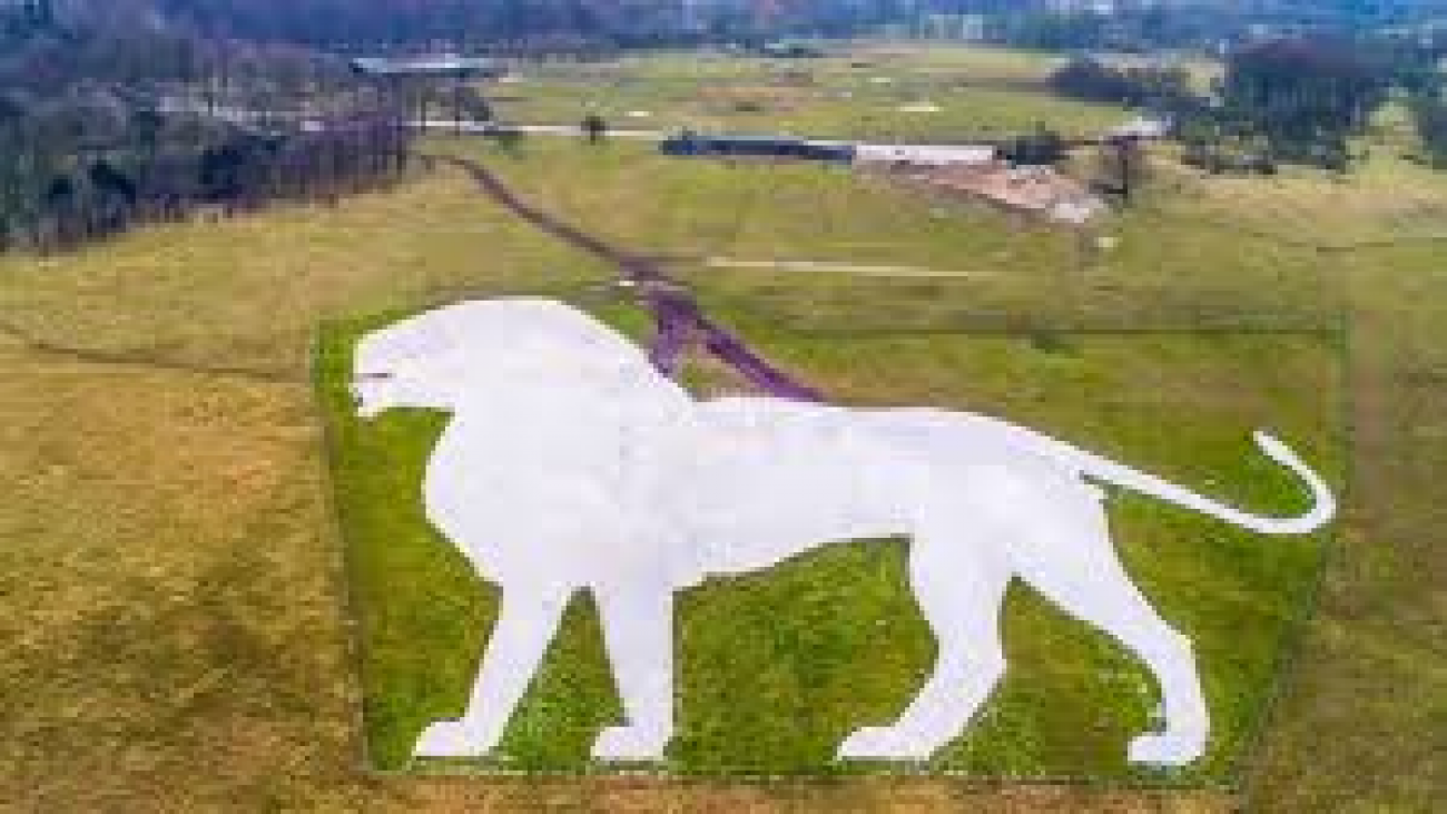 One of the oldest Zoos in the country is Whipsnade.2