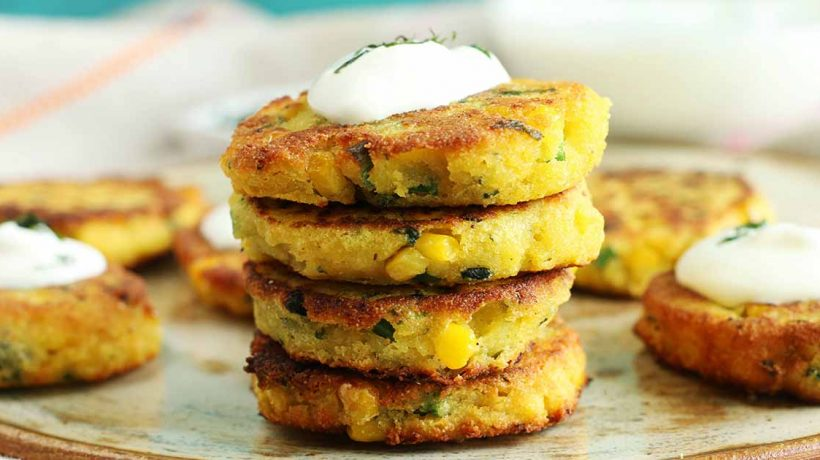 Prepare corn cake with cheese for your kids